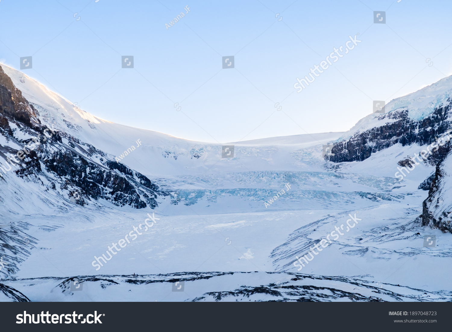stock-photo-winter-view-of-the-athabasca