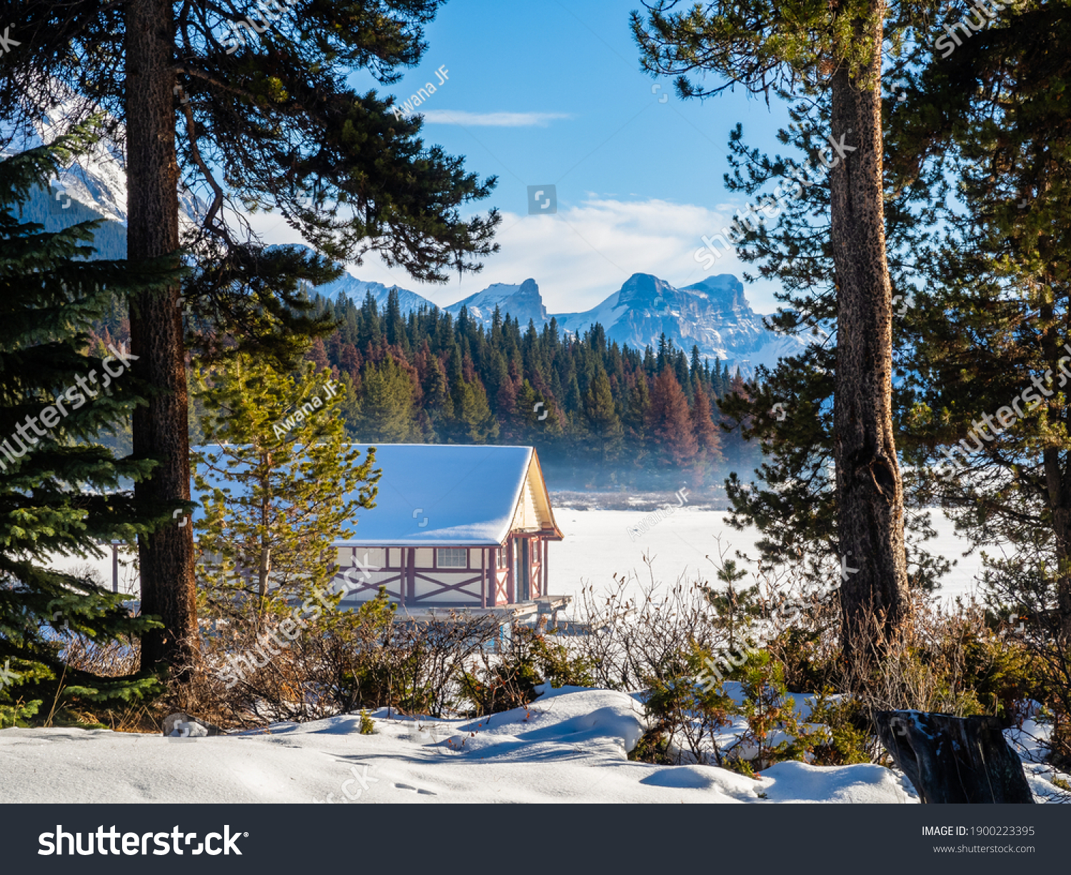 stock-photo-beautiful-winter-view-of-mal