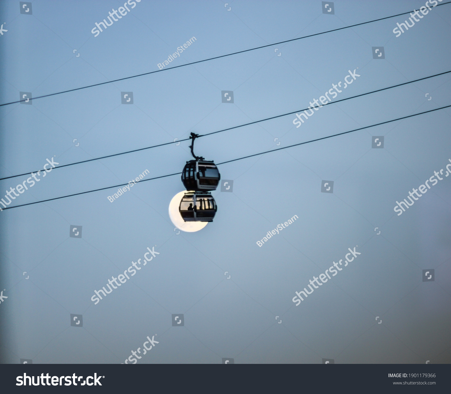 stock-photo-london-emirates-airline-cabl