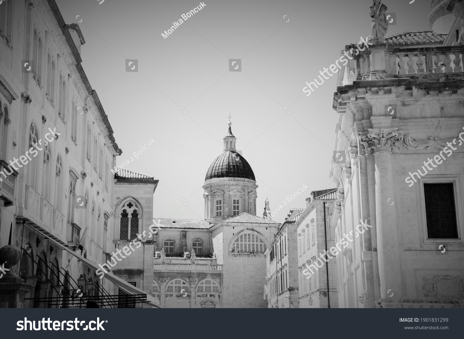 the old town of Dubrovnik in Black and white