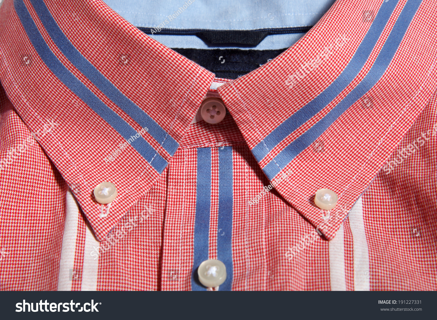 Red man shirt button down collar with blue and white for Red and white button down shirt