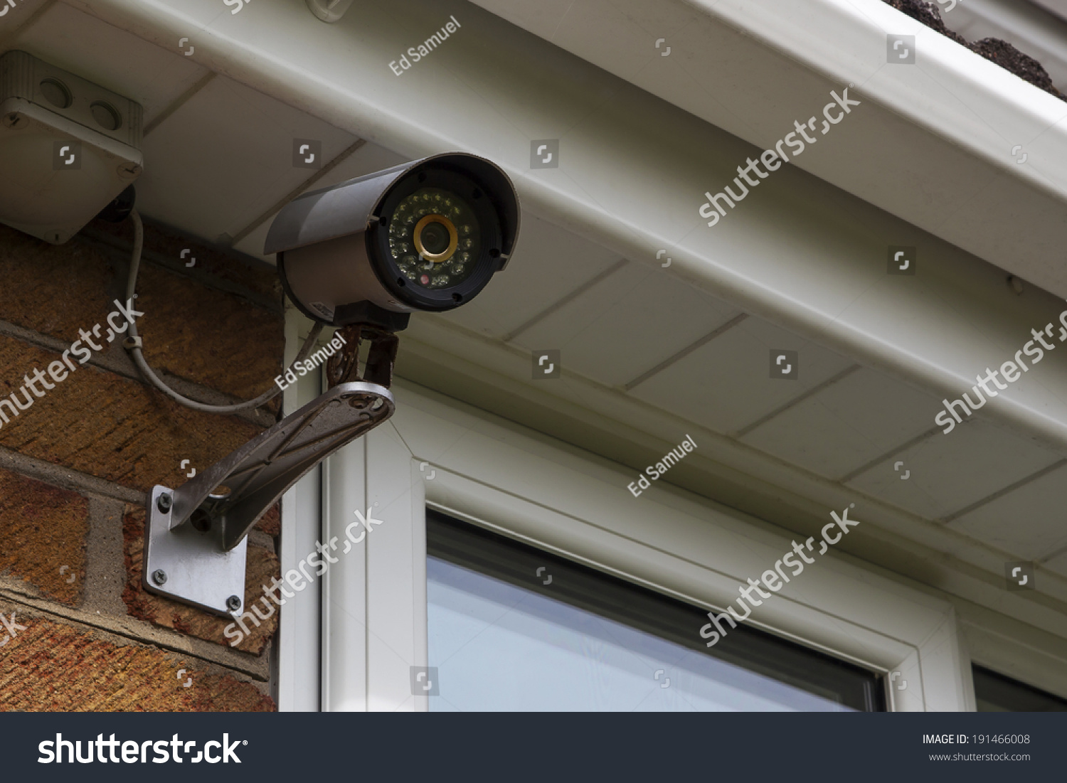 how to make hole to install security camer