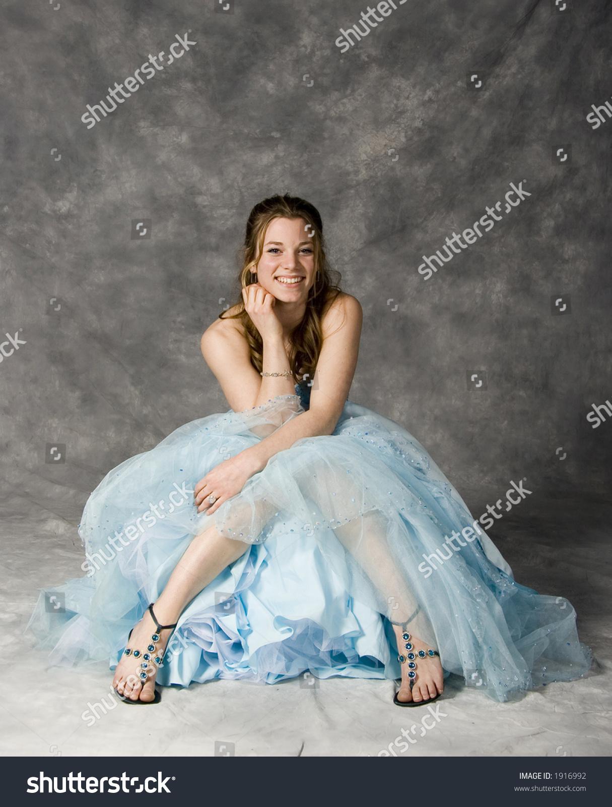 Pretty Teen Girls Prom Dress