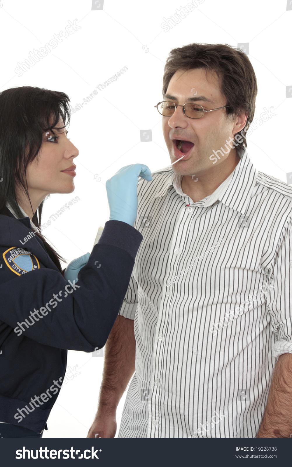 how to become a criminal investigator canada