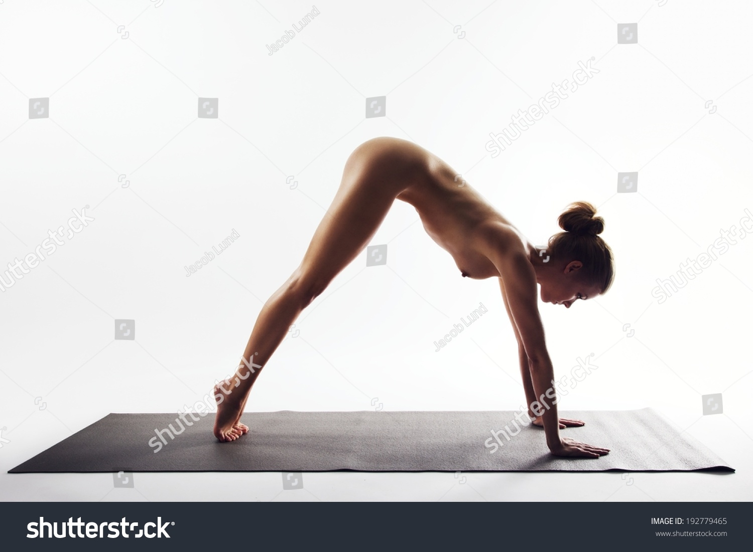 Nude Sport Gymnast Doing Exercises - YouPorncom