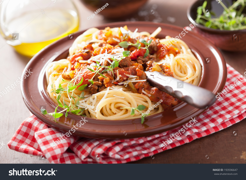 how to make italian spaghetti bolognese