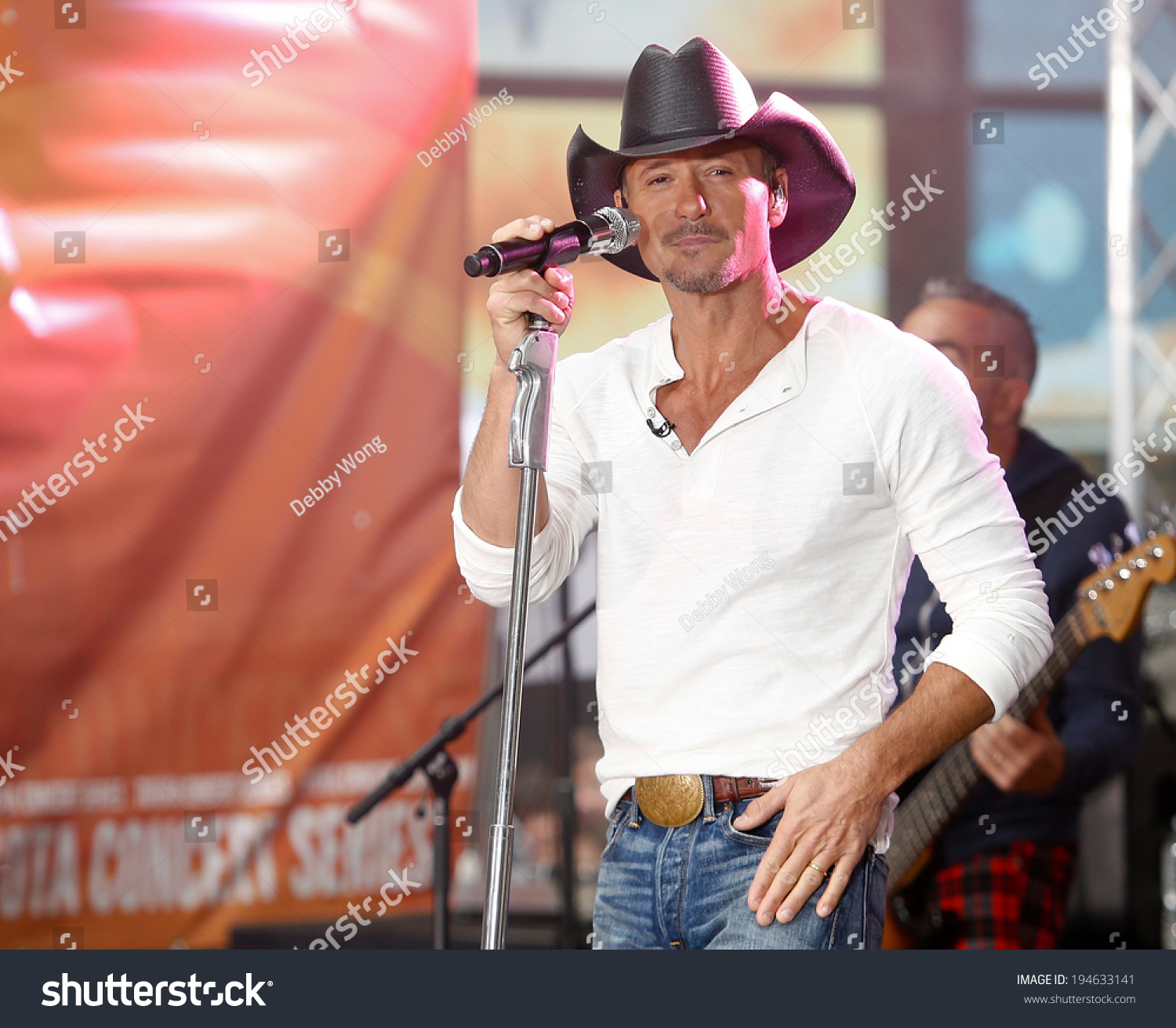 d8a16a0cc5127 NEW YORK-MAY 23  Country music singer Tim McGraw performs at the Toyota  Concert