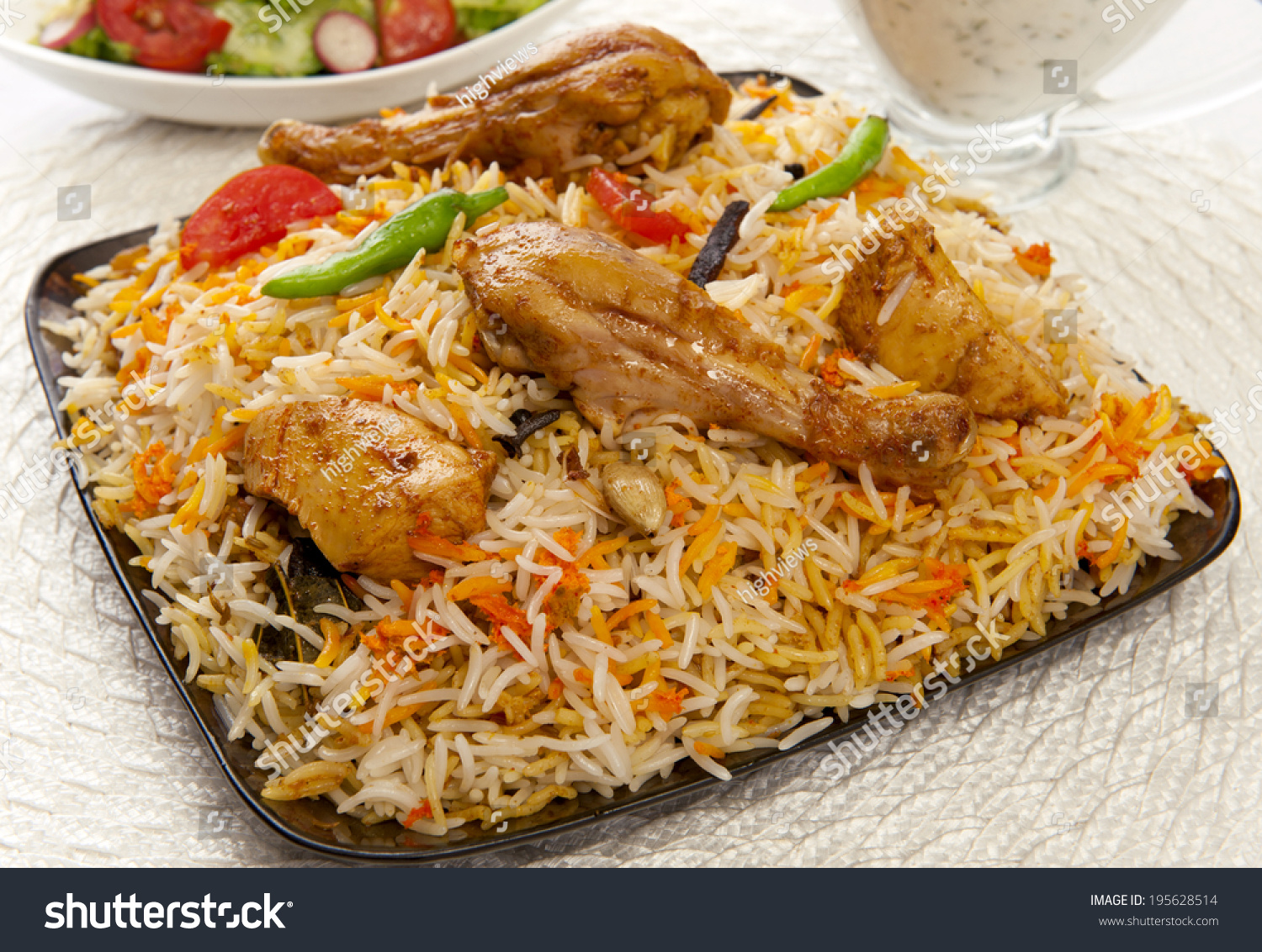 pakistani food Pakistani cuisine is the lesser-known food of the sub-continent and is rich in  tradition, full of marvelous and diverse dishes the blend of indian, far eastern  and.