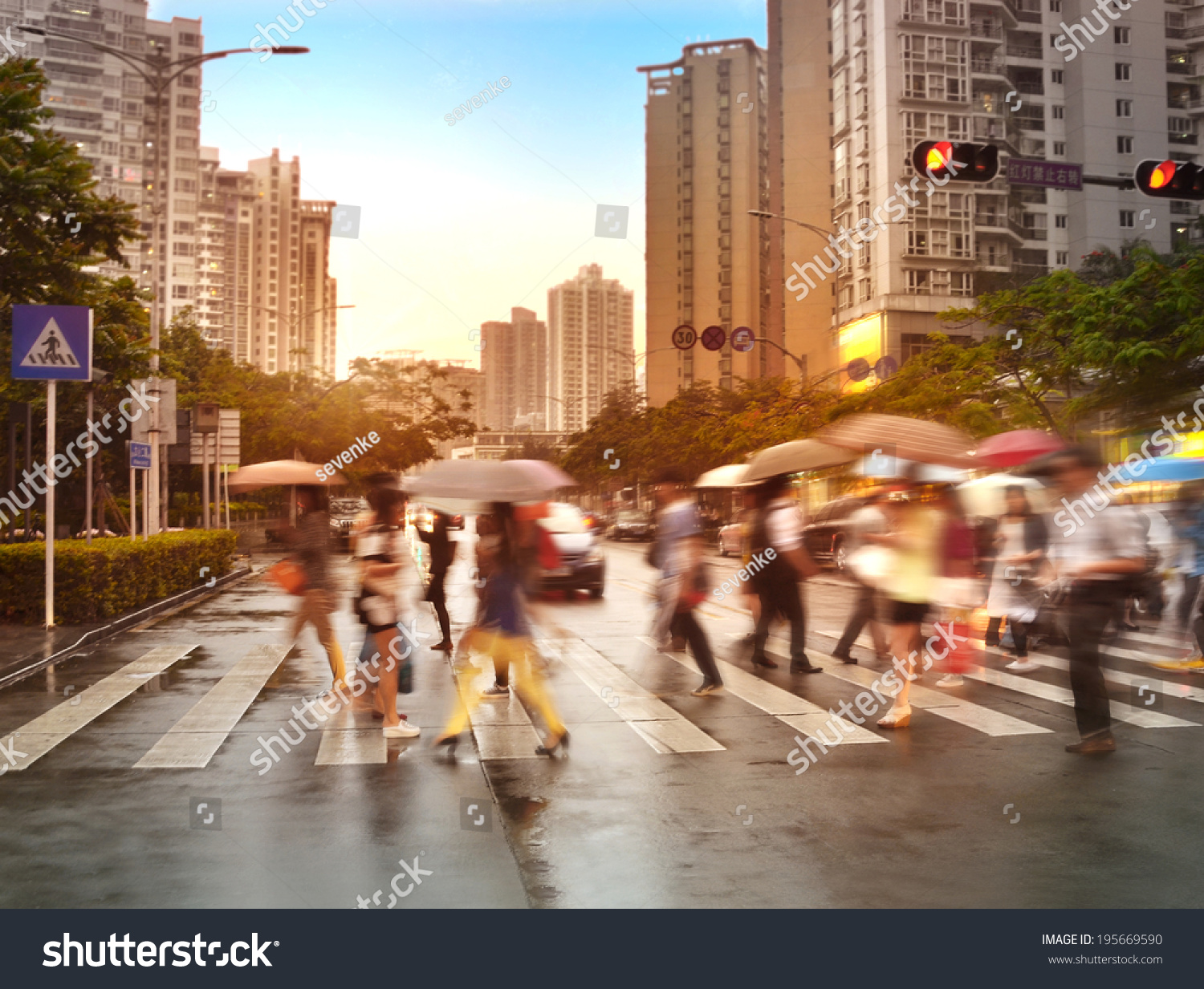 a busy city street essay Descriptive essay on a busy street in your this essay will focus on the differences and inequalities that exist between renshaw st, liverpool, and city rd.