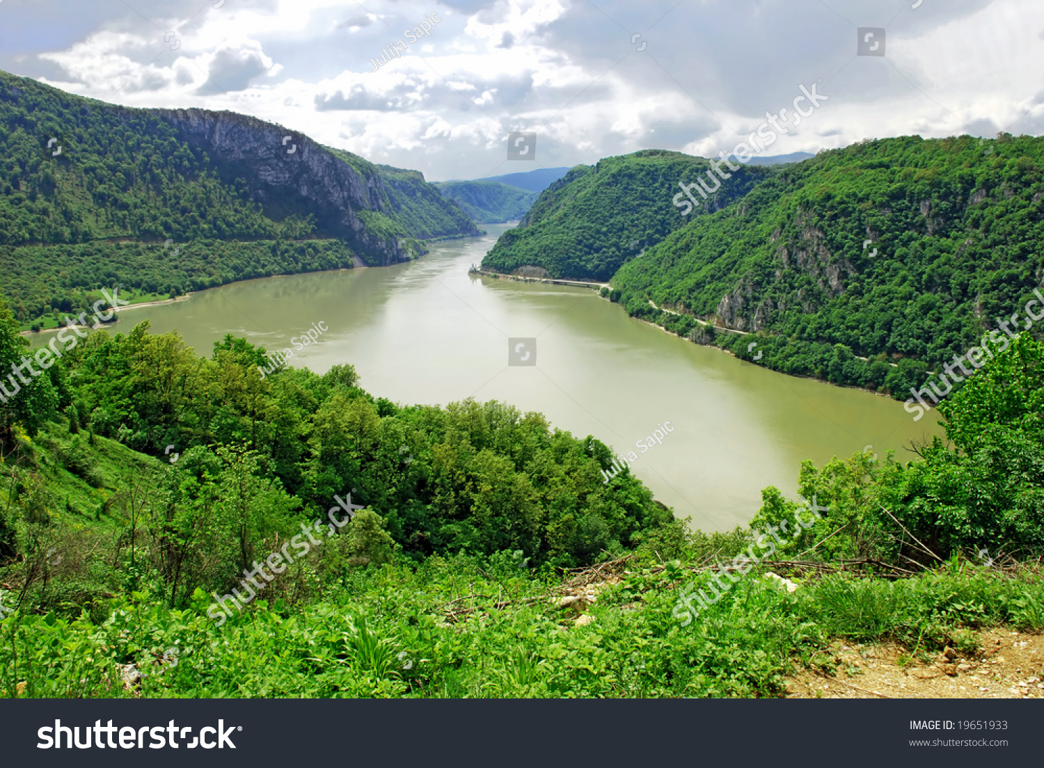 danube between mountains and - photo #11