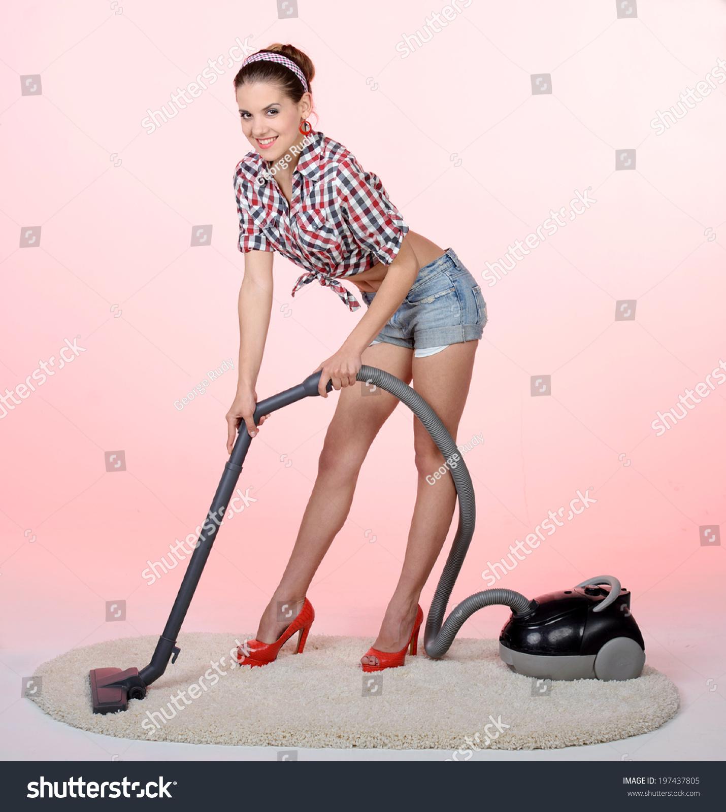Hot gal cleaner clitoris vacuum