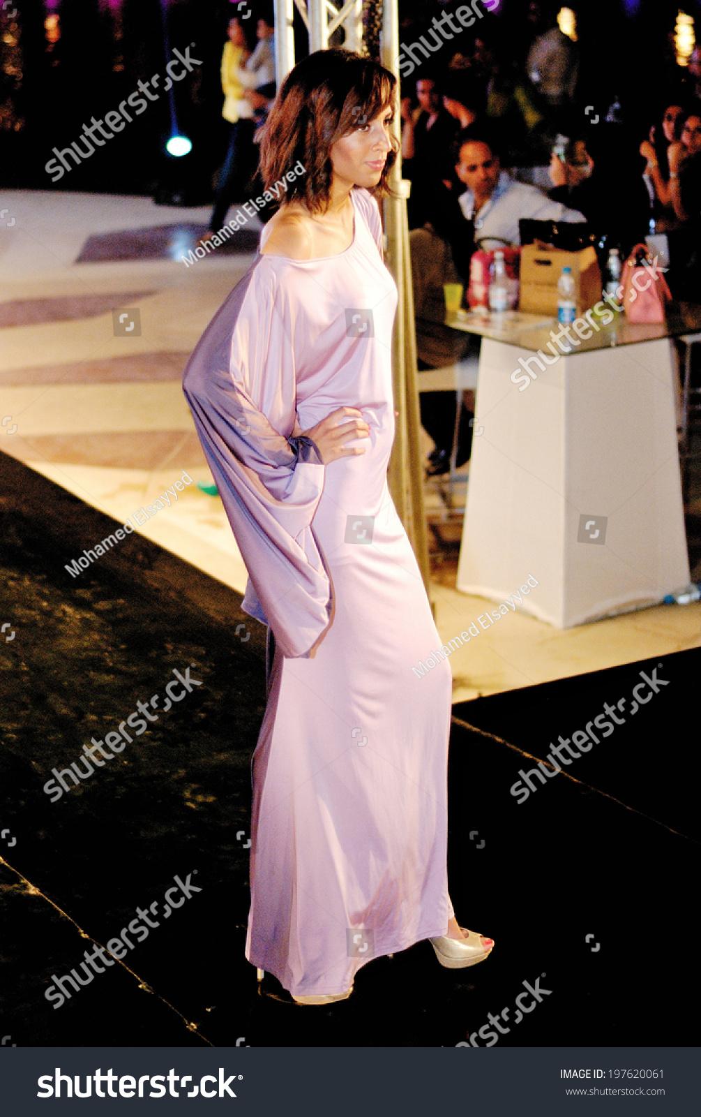 Cairo april 25 model at cairo fashion festival fashion for Cairo mobel