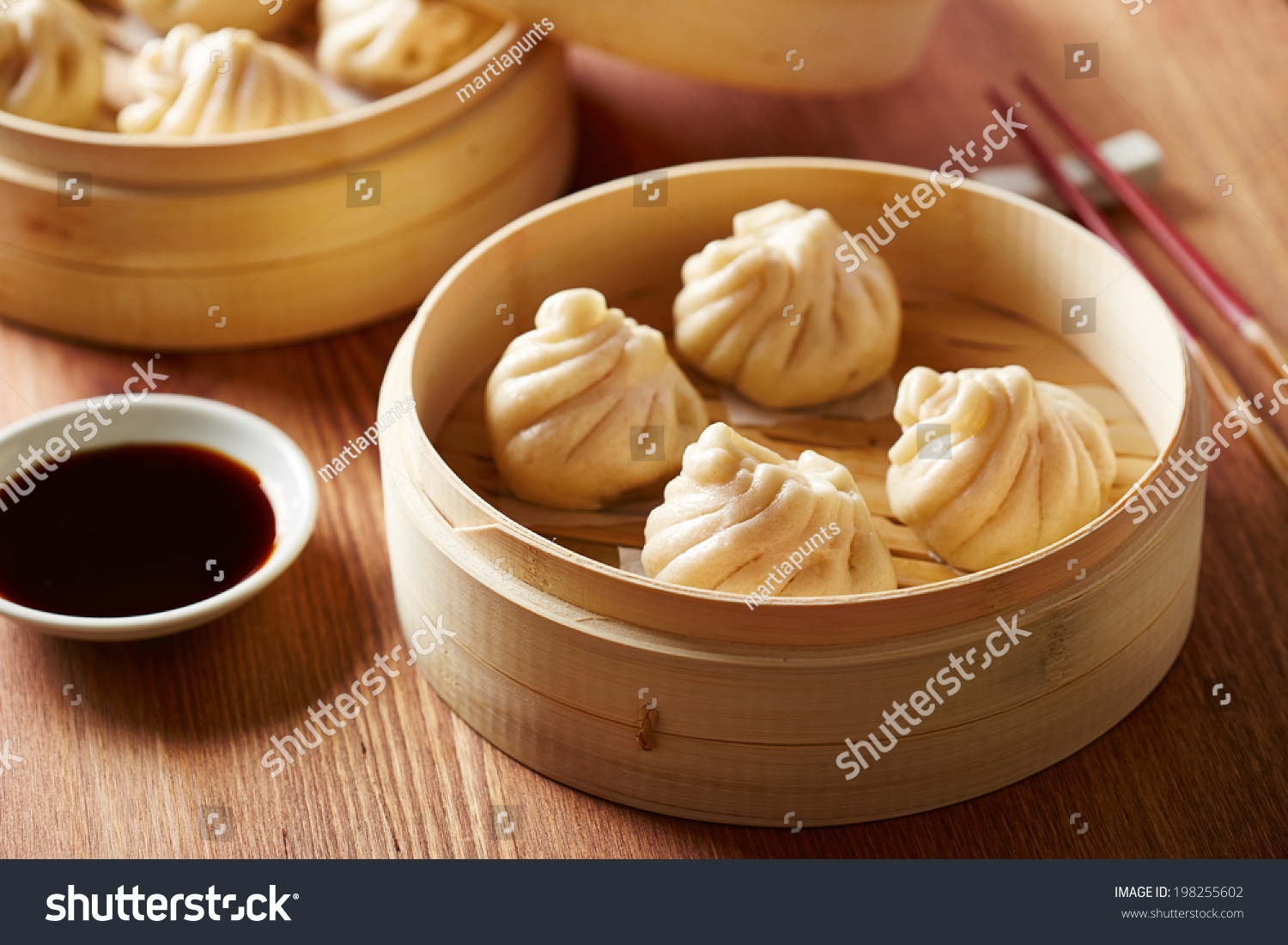 how to cook dumplings with bamboo steamer