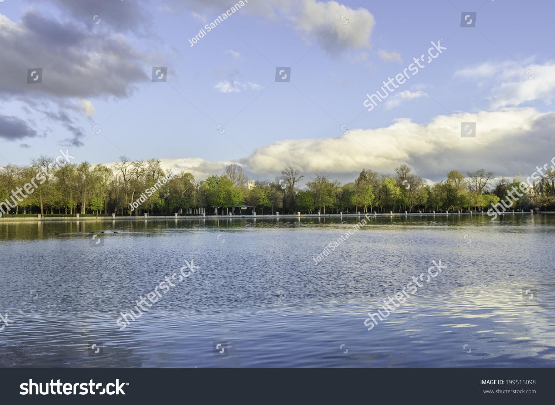 Buen Retiro Park One Largest Parks Stock Photo 199515098 - Shutterstock