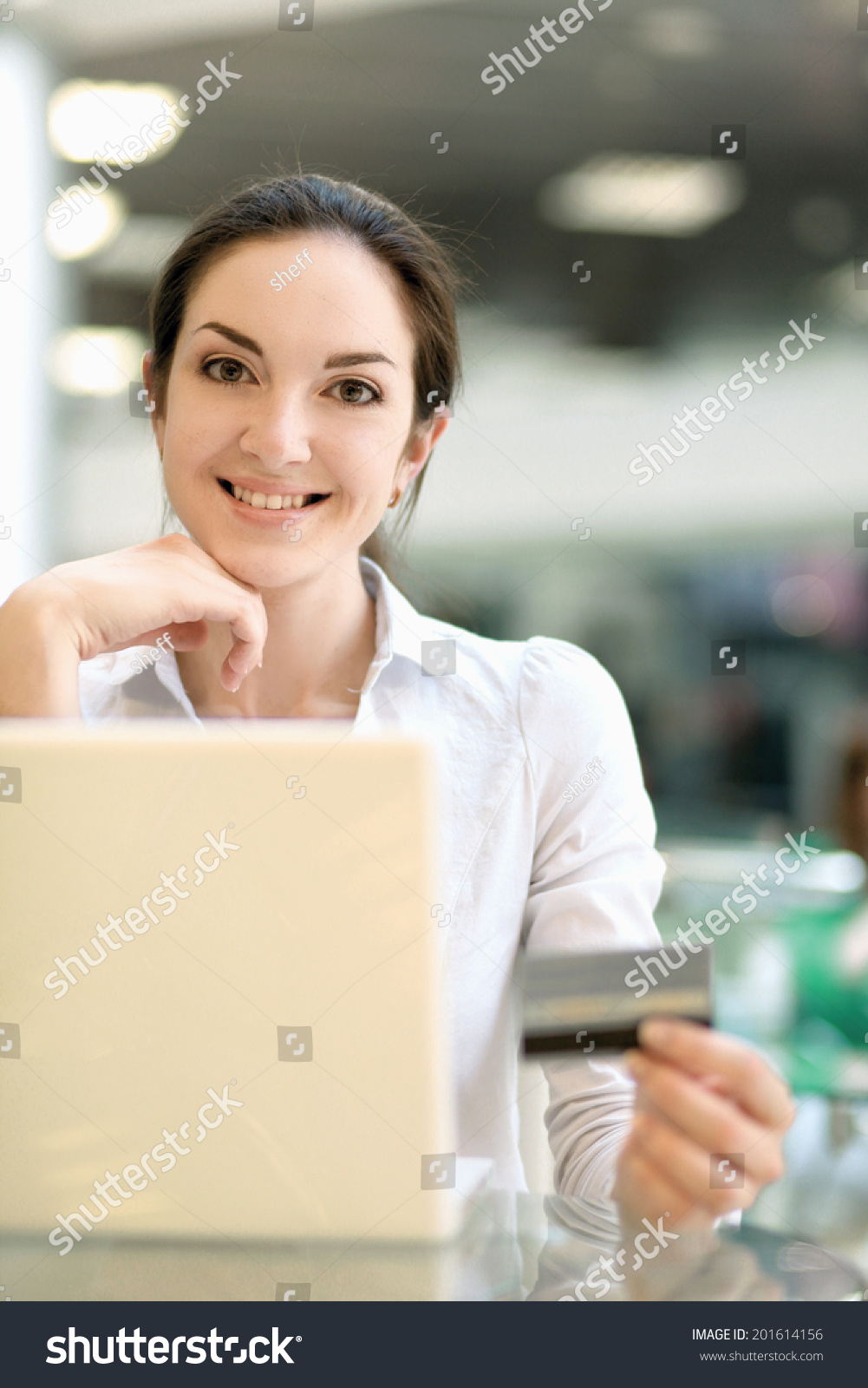 Beautiful happy woman sitting laptop stockfoto 201614156 shutterstock - Voorbeeld volwassene kamer ...