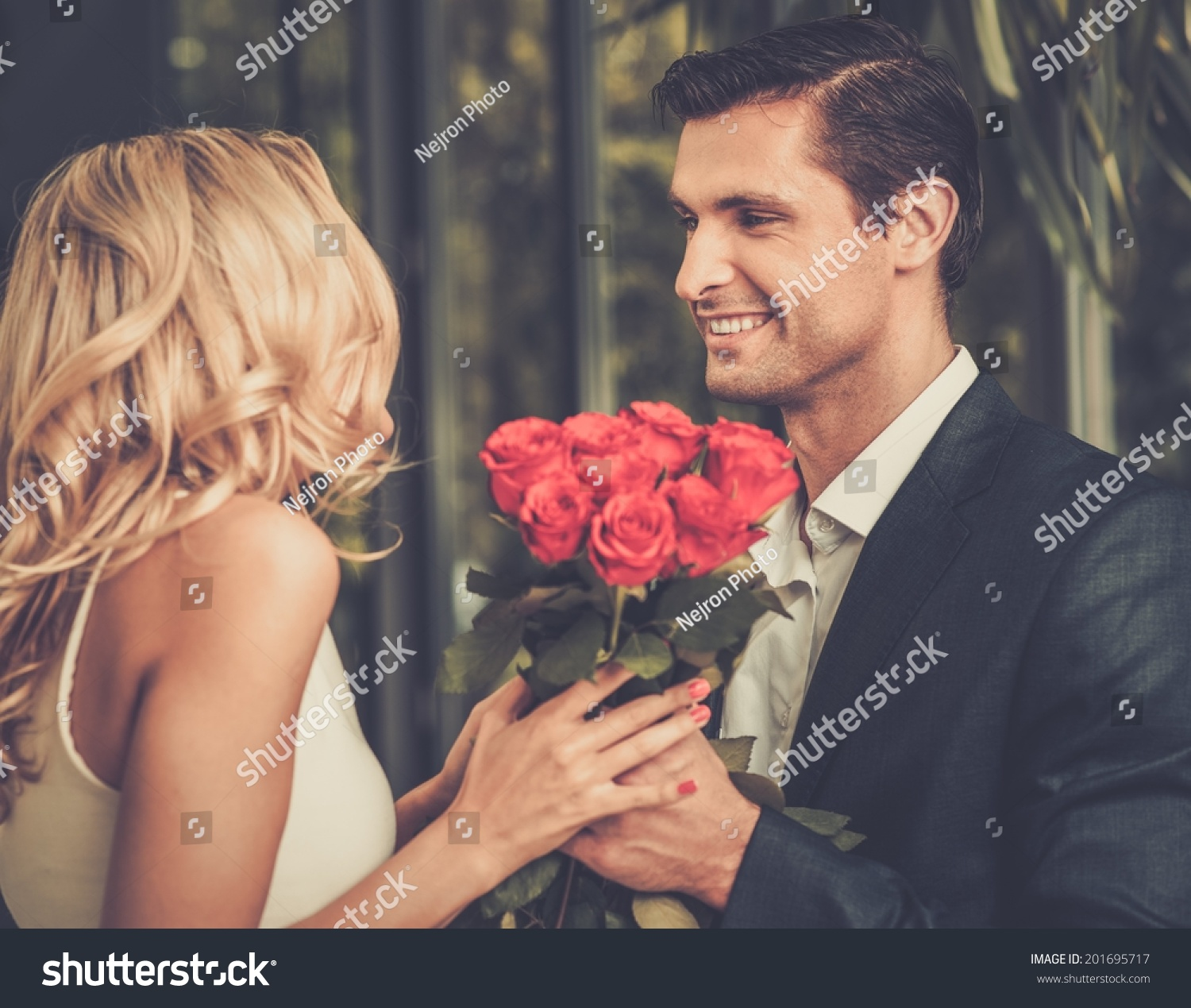 dating a really handsome guy