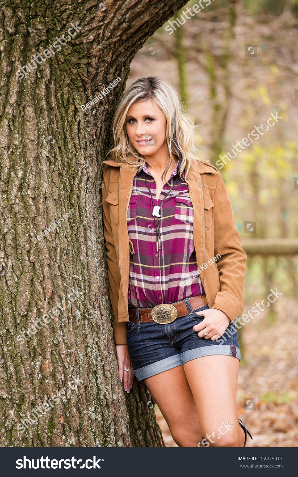 Brooke sields nude porn amateurs