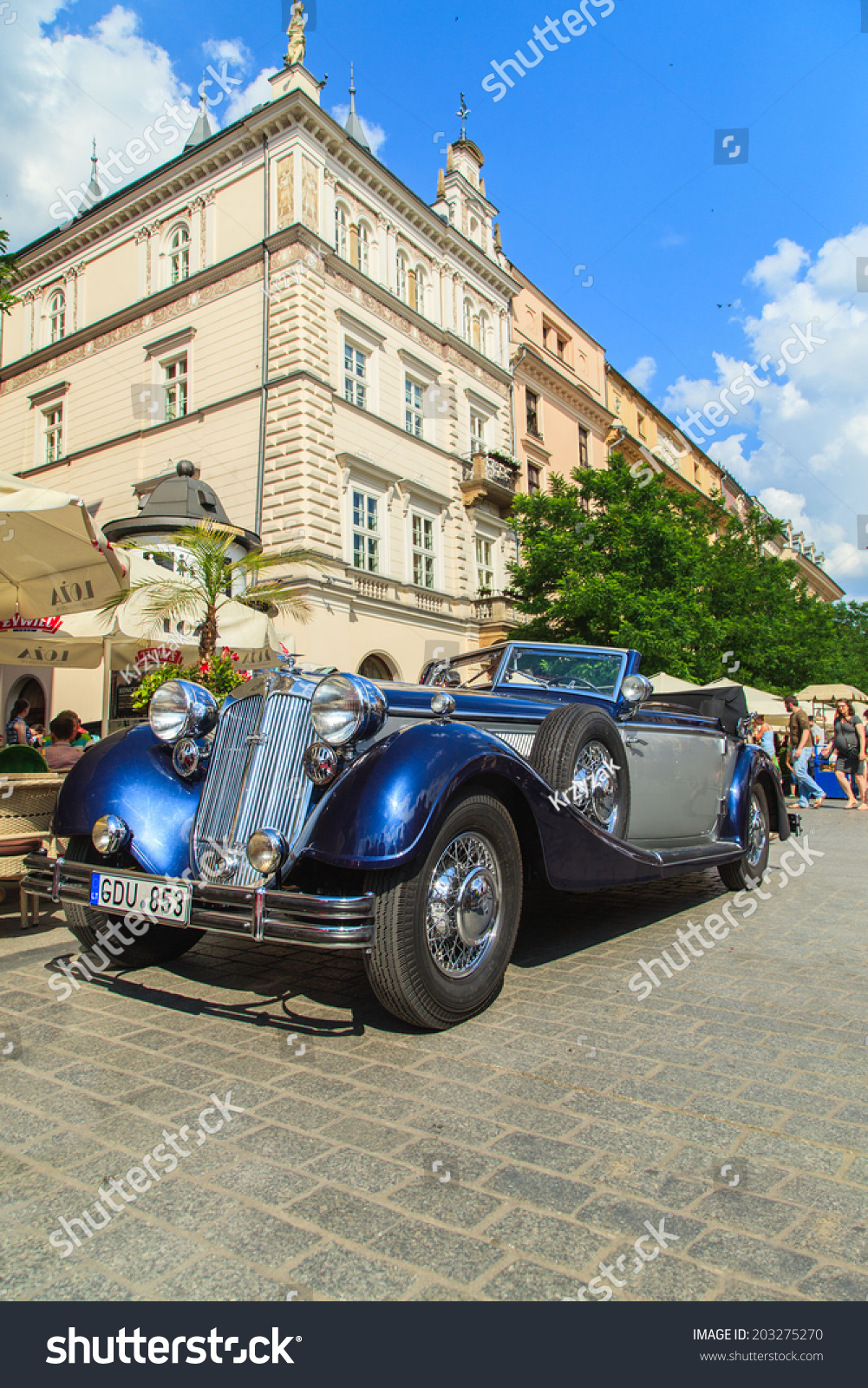 Cracow July 6 Classic Car On Stock Photo 203275270 - Shutterstock