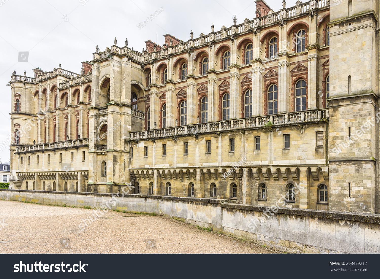 Home St Germain En Laye chateau de saintgermainenlaye situated around 13 stock photo
