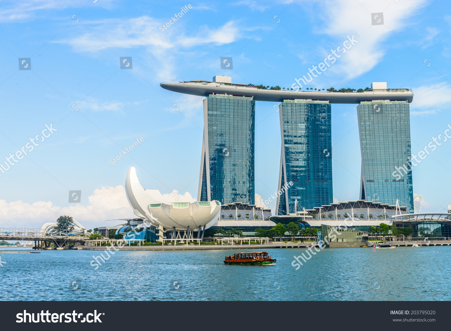 Singaporejune 24 marina bay sands resort stock photo for Most luxurious hotel in singapore