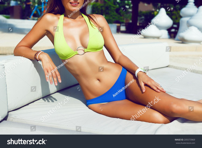 Sexy Women Getting A Tan 97