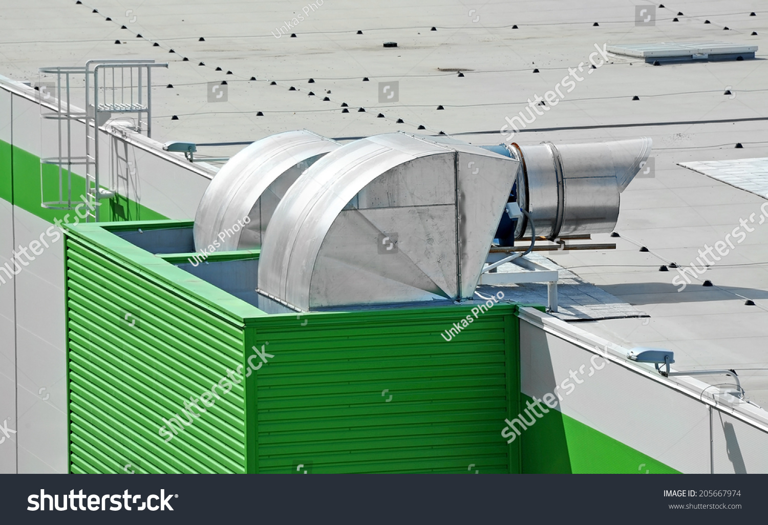 Industrial Air Ventilator : Industrial air conditioning and ventilation systems on a