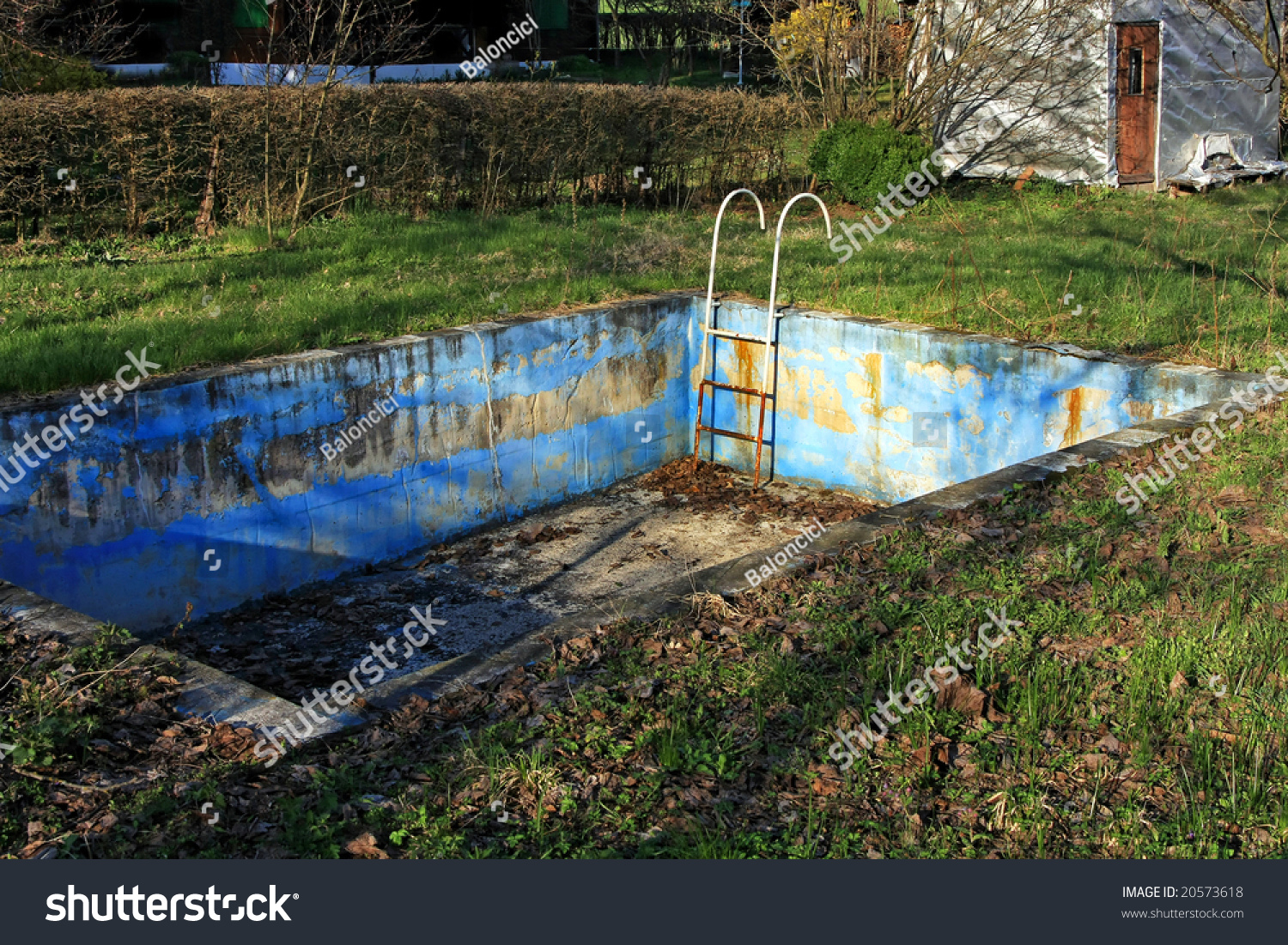 Abandoned Swimming Pool Bad Rusty Condition Stock Photo 20573618 Shutterstock