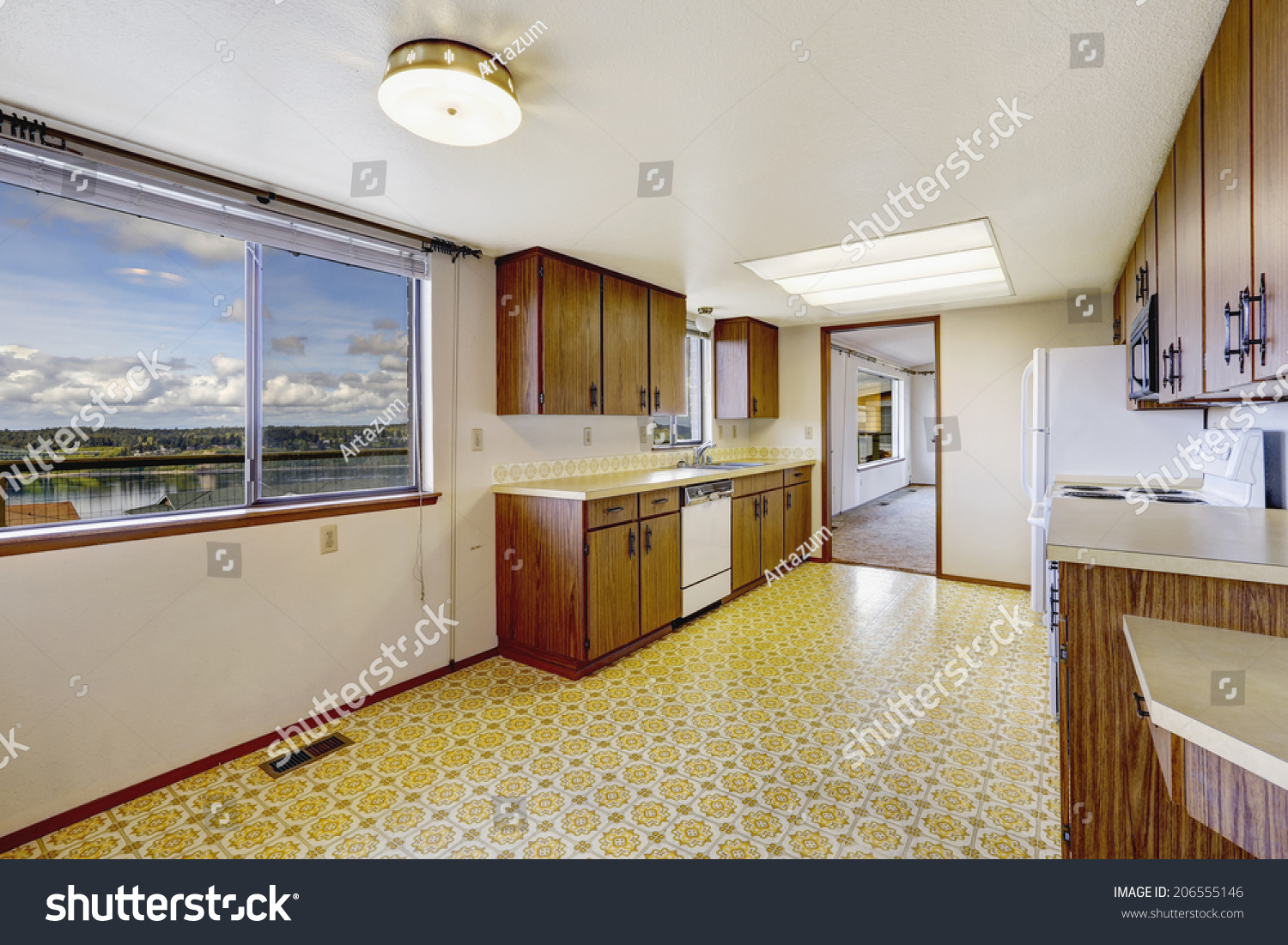 Linoleum Floor Kitchen Empty Kitchen Room Linoleum Floor Old Stock Photo 206555146