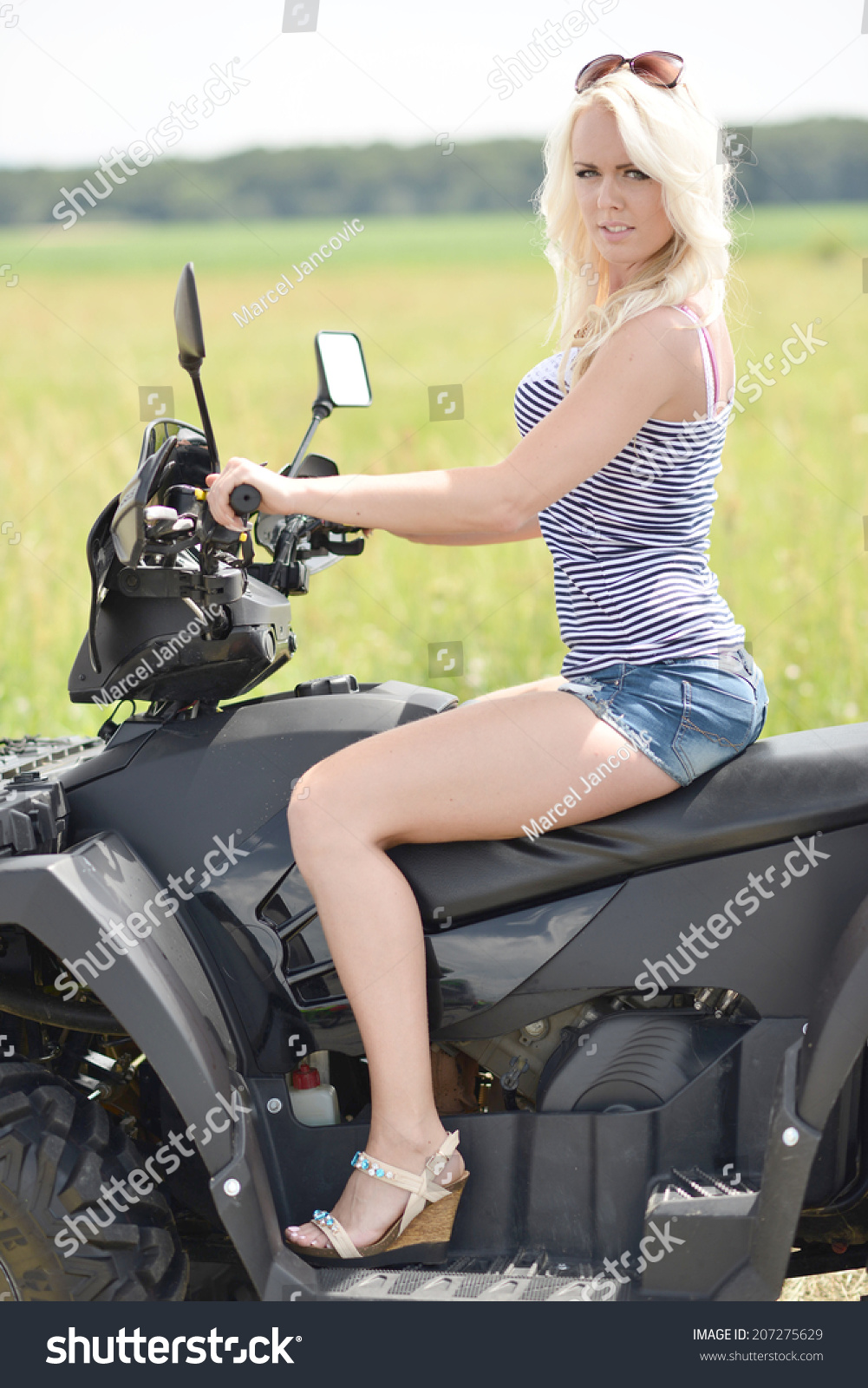 Hot Pussy On Scooter Pictures 45