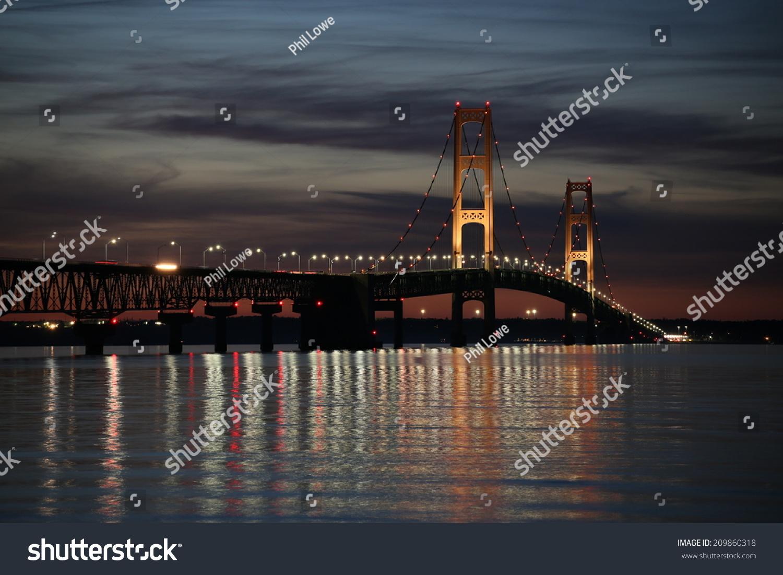 stock-photo-mackinac-bridge-at-sunset-20