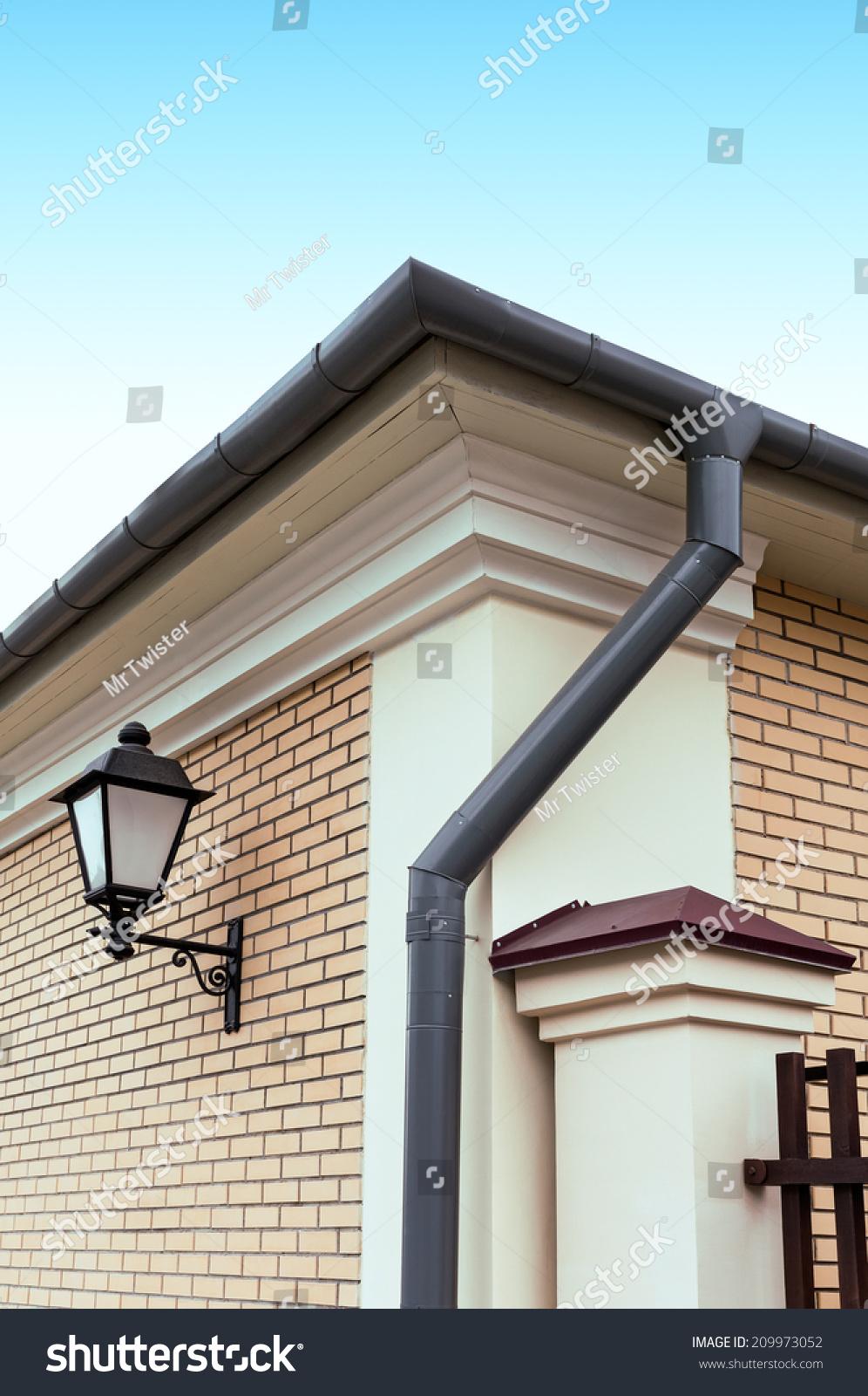 Modern House Gutters
