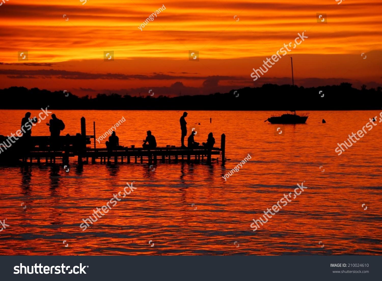 Lake mendota sunset from the memorial union terrace on for Mendota terrace