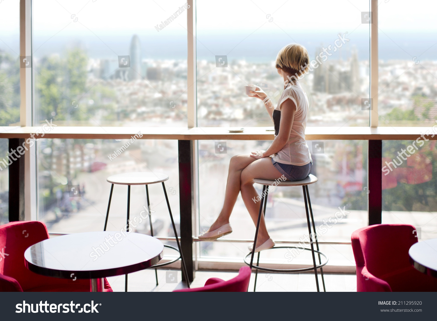Concurrence Girl on bar stool well told