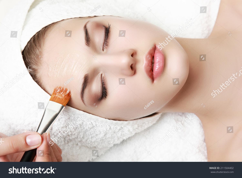 Treatment facial spa