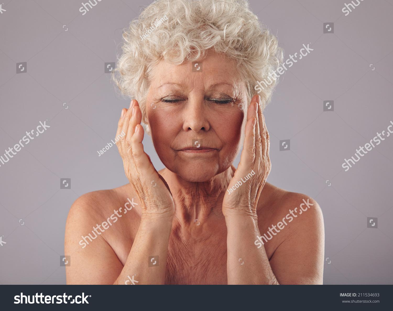 pictures of older nude women  229321