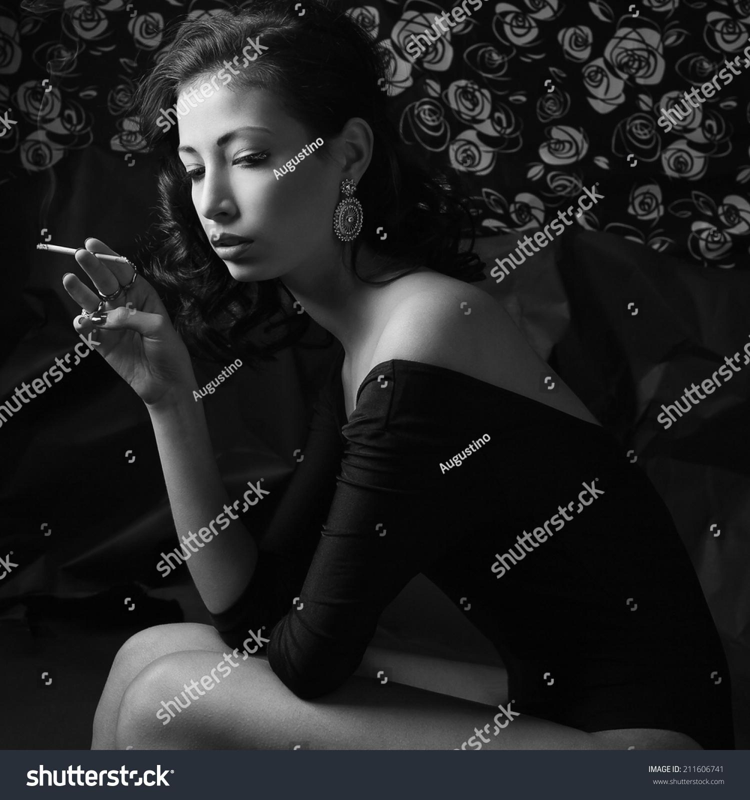 Femme Fatale Hollywood Diva Concept Emotive Stockfoto (Lizenzfrei ...