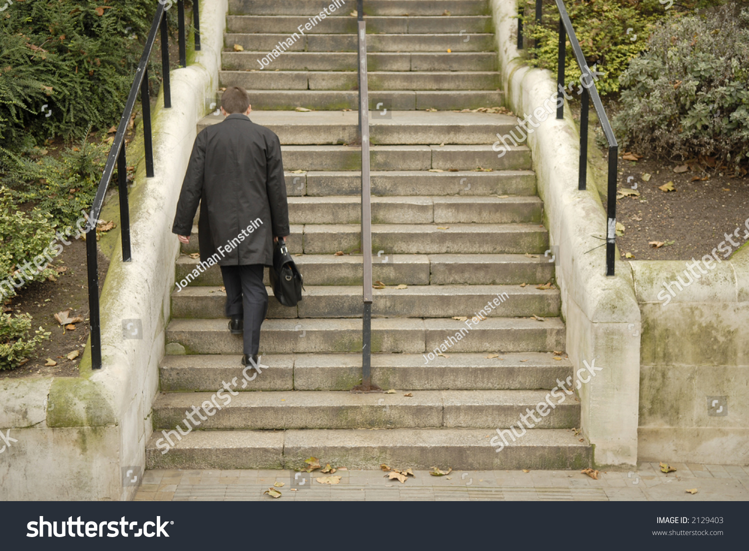 how to walk up stairs with crtuches