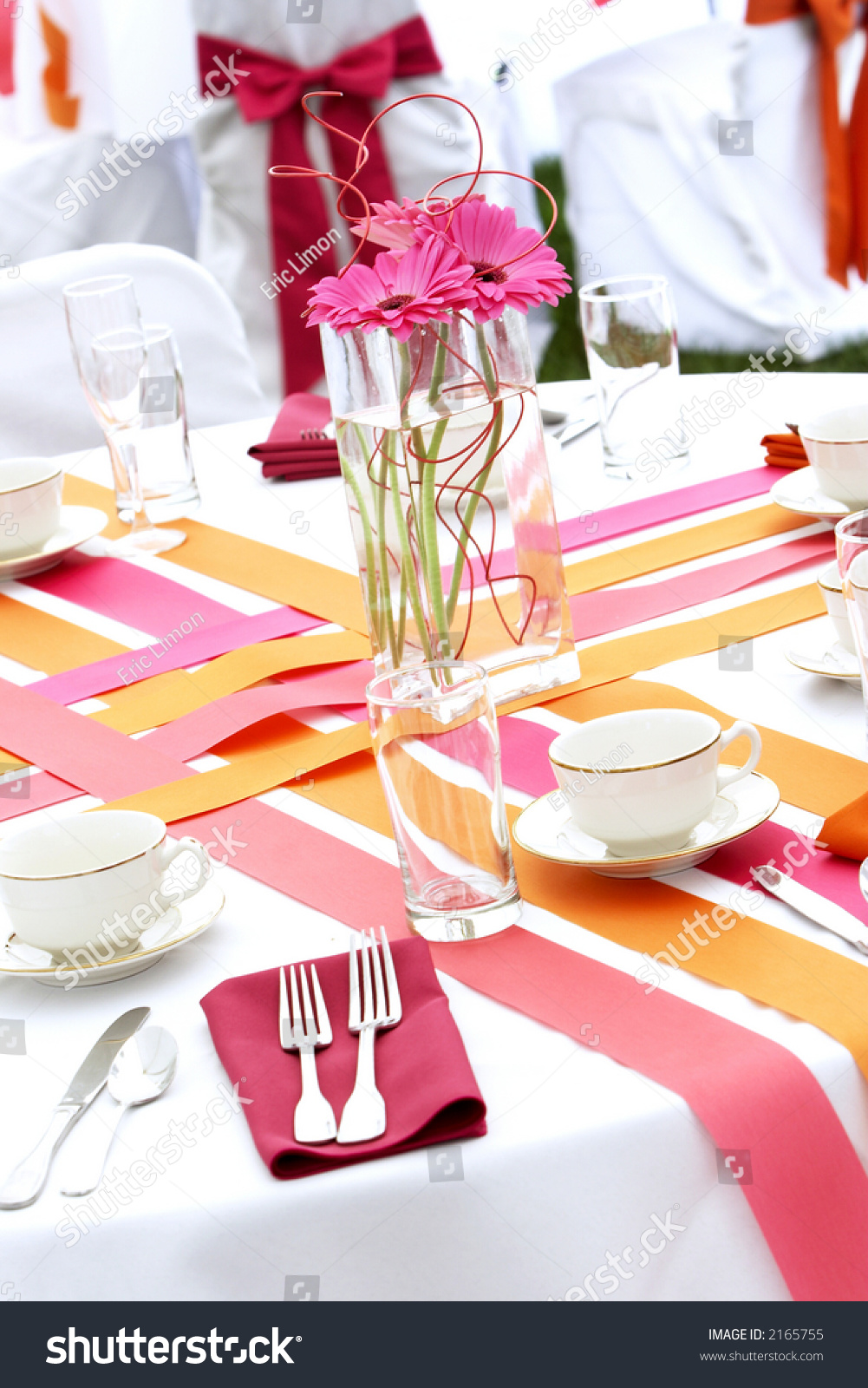 Very Cool And Hip Wedding Table Settings For A Funky Fresh Young Bride And  Groom.
