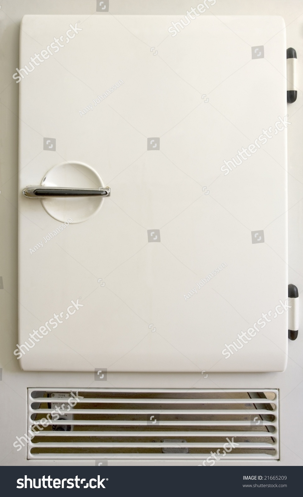 Save to a lightbox & Old Fashioned Fridge Door. Stock Photo 21665209 : Shutterstock Pezcame.Com