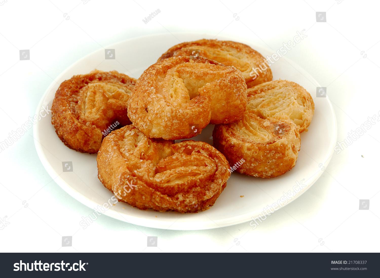 stock-photo-heart-shaped-vanilla-biscuit