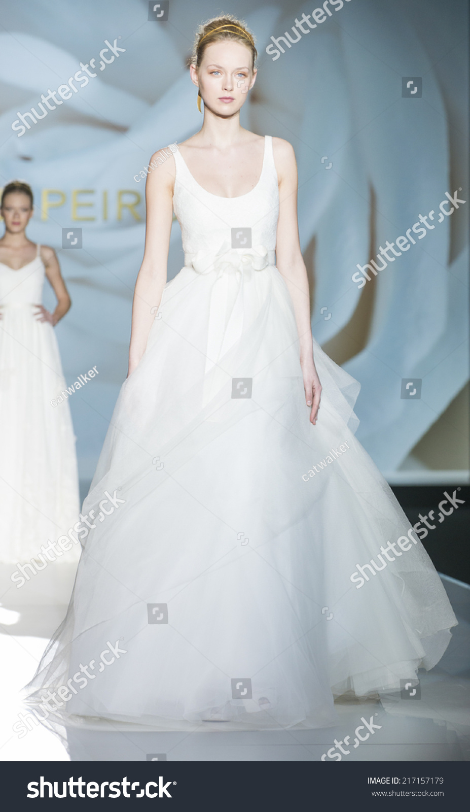 Magnificent Jesus Peiro Wedding Dress Images - All Wedding Dresses ...