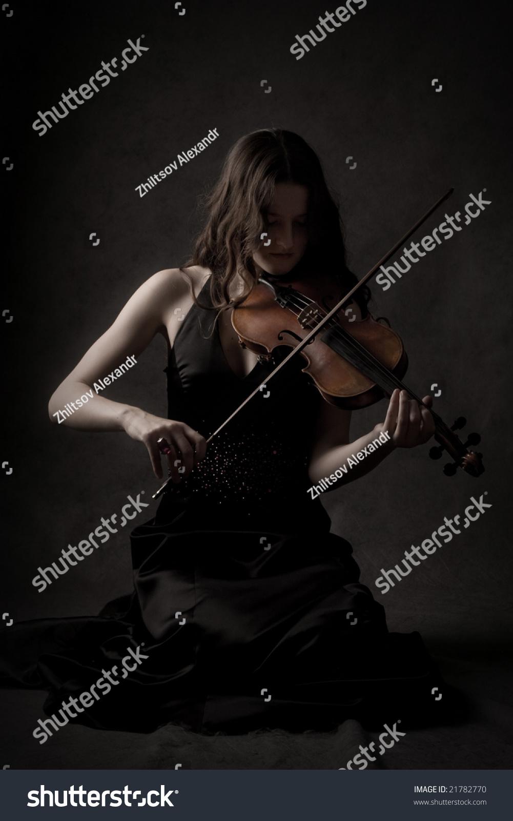 Sad Girl Play On Violin Dark Stock Photo 21782770 ...