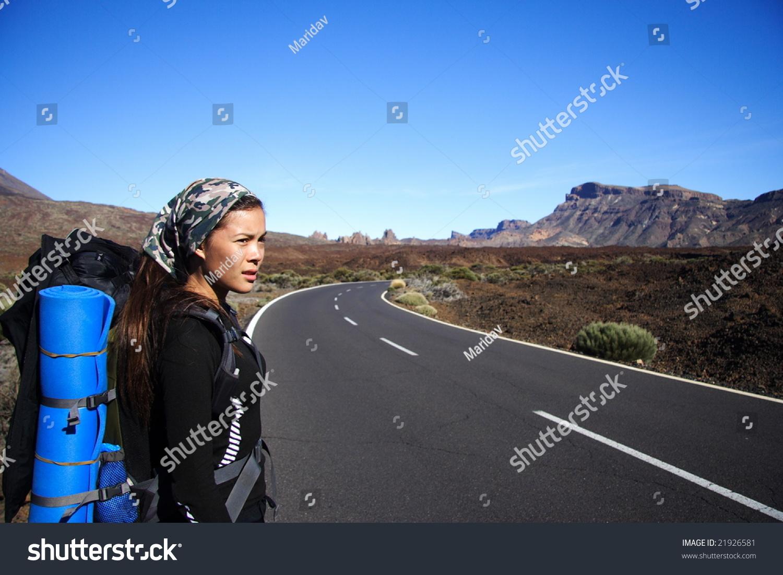 Телка путешествует автостопом фото 24 фотография