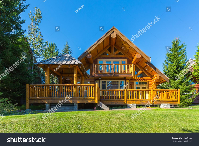 House In Canada Modern House