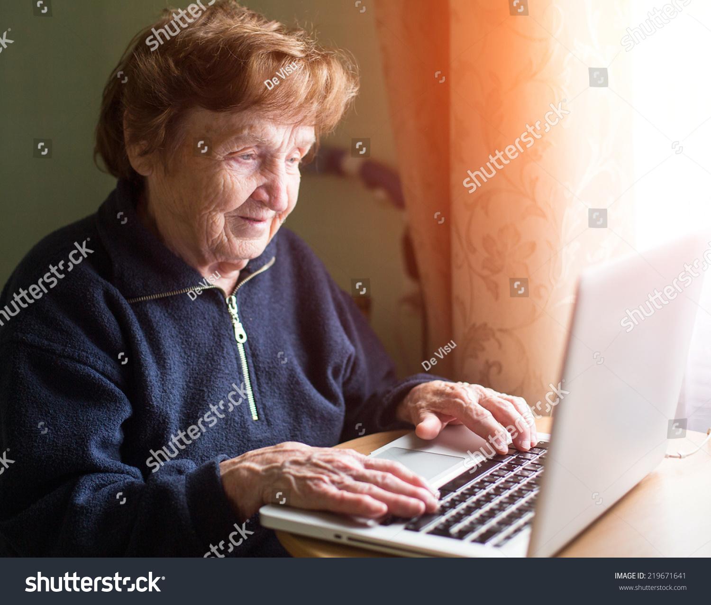 Фото старих жінок 12 фотография