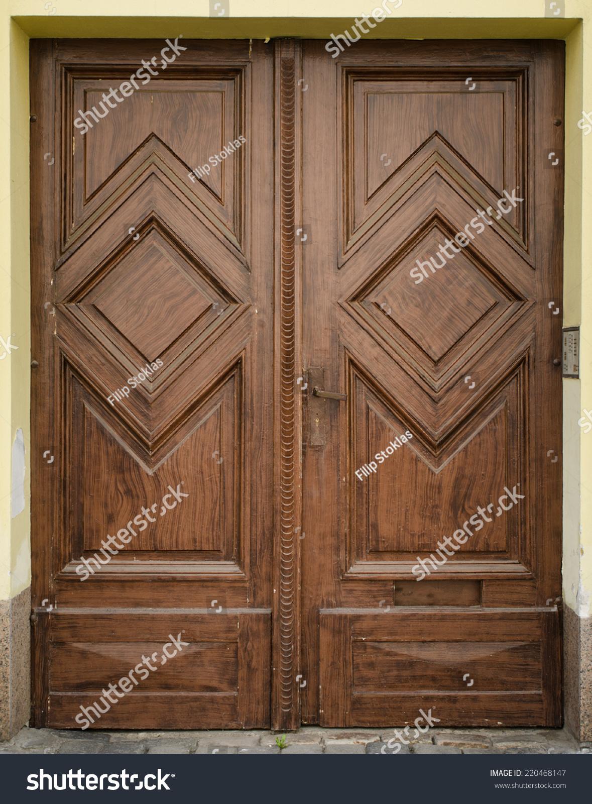 Historical ornate wooden door prague the czech republic for Door z prague
