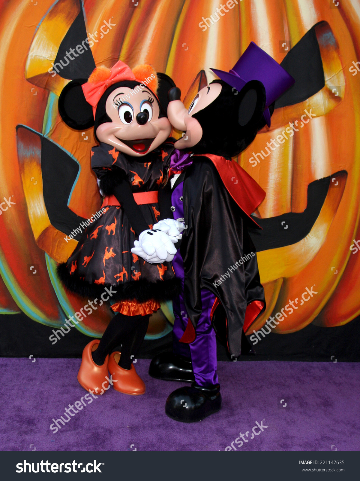 los angeles oct 1 minnie mouse stock photo (edit now) 221147635