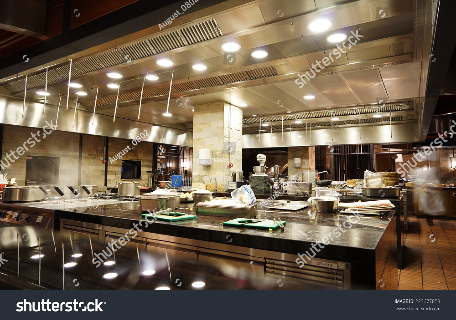 A modern kitchen in a hotel or restaurant fotka 223677853 for V kitchen restaurant