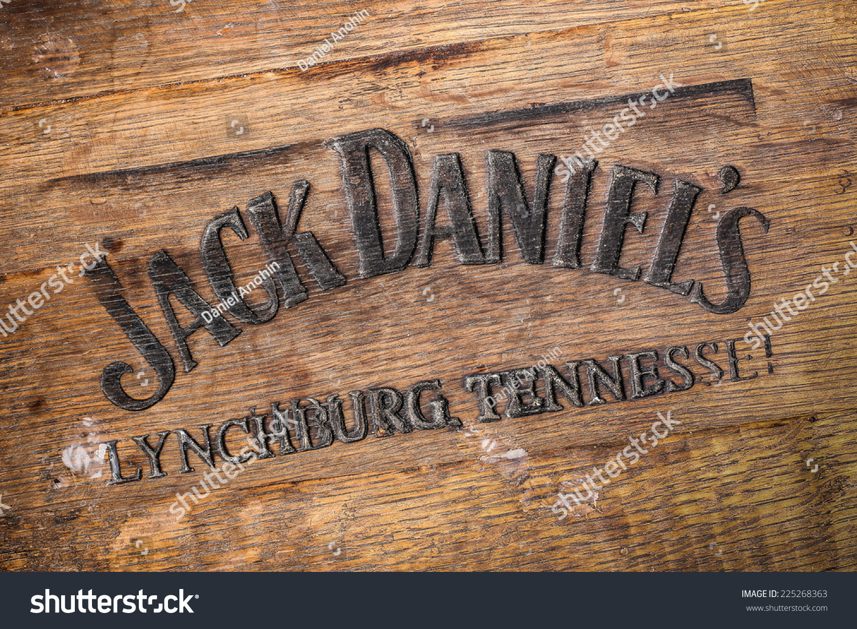 Jack Daniels Whiskey Logo Burned Bottom Stockfoto (Jetzt bearbeiten ...