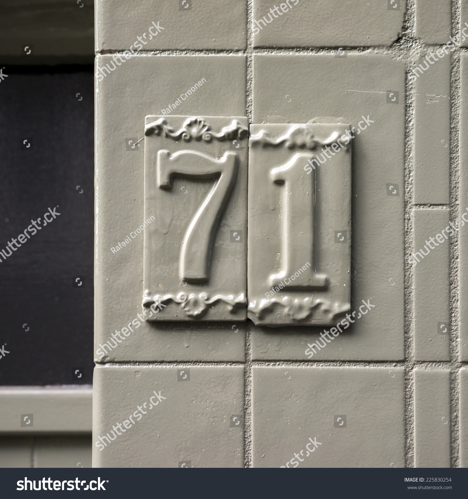 House Number Seventy e Two Stock Royalty Free